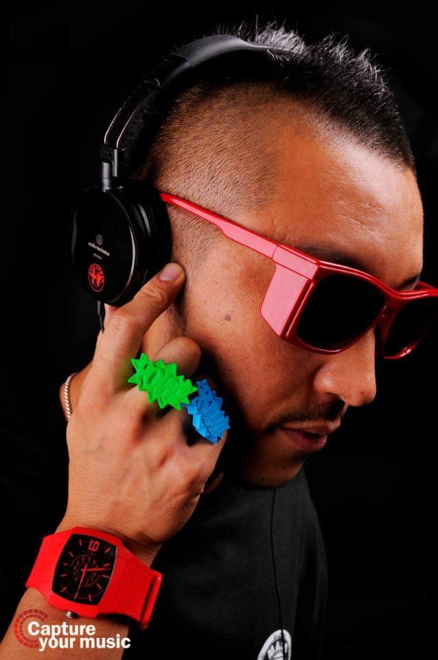 DJ eckoz
